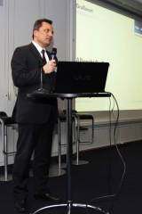 Albrecht Deißner, Direktor der KfW, begrüßt die Gäste