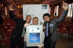 So sehen glückliche Gewinner aus: DESINO aus Köln und Aachen freuten sich über den ersten Preis.