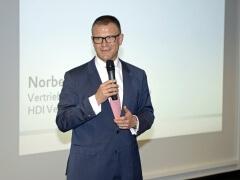 HDI Vertriebs AG Vorstandmitglied Norbert Eickermann war begeistert, so viel Ideenreichtum in seinem Hause begrüßen zu dürfen.